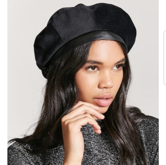 Forever 21 Black beret with faux leather trim c7e18e909c5a